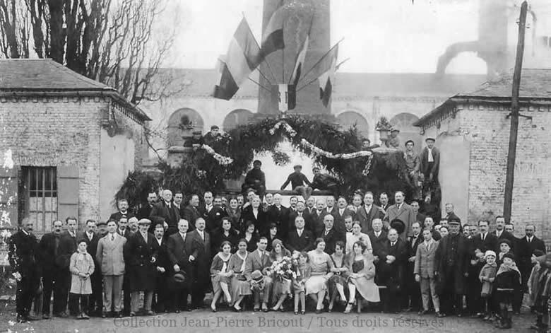 A l'occasion du mariage de Jean Valette et Lily Benoit en janvier 1930. Collection Jean Pierre Bricout.