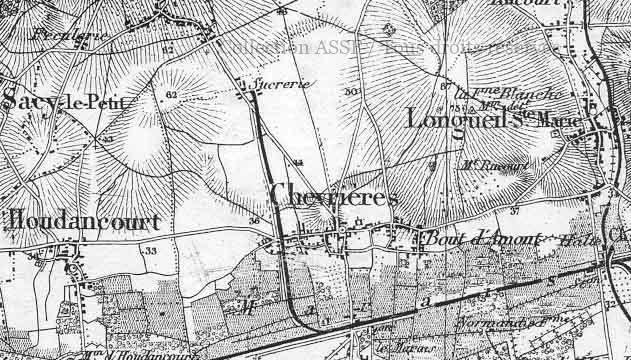 Lorsque l'établissement ne se trouvait pas à proximité d'une ligne de chemin de fer, comme à Chevrières, il était courant de créer un embranchement spécifique. Au bas de l'image : la ligne St-Quentin-Paris, via Compiègne et Creil. A droite de l'image : l'ancienne ligne Estrées-St-Denis-Longueil Ste-Marie-Verberie-Crépy.