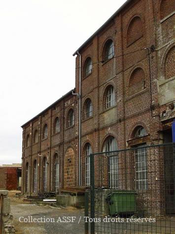 Partie gauche de la façade.