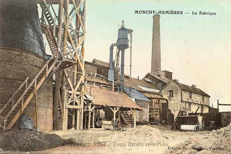 La fabrique de sucre - Carte postale (1917) - Ed. Les Comptoirs Français.
