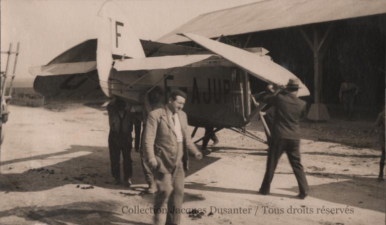 L'arrivée et le garage provisoire à Francières du Potez 36 (95 Renault) du Club (1933)